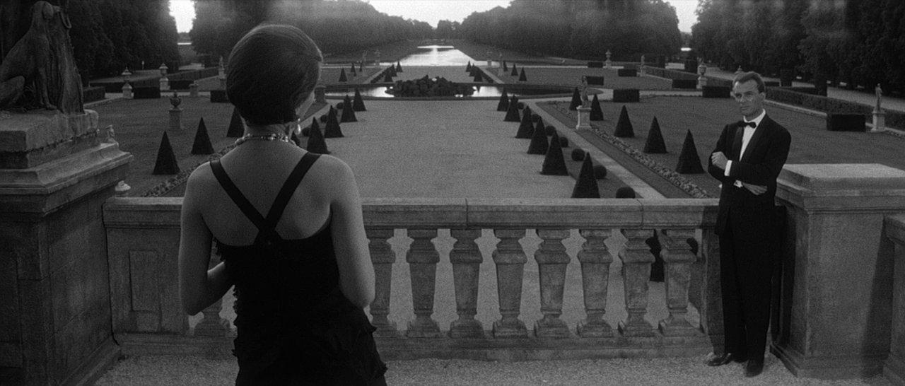 """""""El año pasado en Marienbad"""" (Alain Resnais, 1961). Fotograma emblemático de los jardines."""
